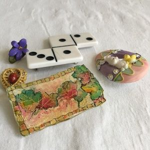Vintage Brooches set of 5